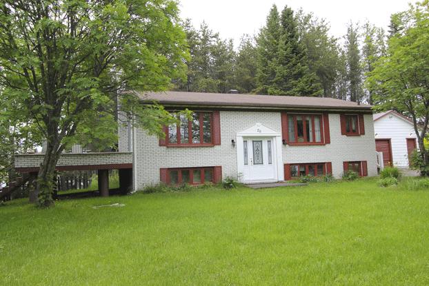 La maison sous les arbres – Première étage